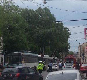 Fetiţa primarului Marius Stan - accidentată de un autobuz
