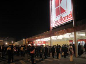 A fost noaptea îmbulzelii la Kaufland