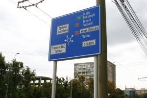 Indicatoarele rutiere ilizibile, schimbate după şase luni!