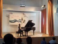 """VIDEO: Doi soți pianiști, aflați în pelerinaj muzical: recital la Liceul de Arte """"Dimitrie Cuclin"""