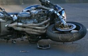 Studentă în comă după ce s-a răsturnat cu motocicleta