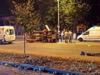 UPDATE 17.00:  Şoferul care a accidentat o ambulanţă, eliberat sub control judiciar