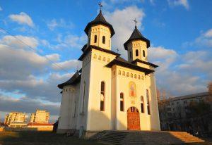 """Ciupitu a lovit din nou!  """"Interlopul"""" din Suceveni a furat și """"cutia milei"""" de la Biserica """"Sfânta Vineri"""" din Pașcani"""