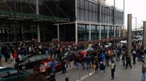 Votul în străinătate, mai bine ca în turul întâi. 115.000 de români au votat până la ora 13,00, alte mii aşteaptă la cozi