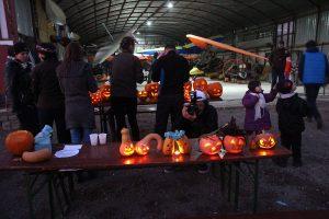 """FOTOGALERIE """"Dovleceala 2014"""" sau cum e să petreci Halloween-ul cu prietenii la Aerodromul de la Vădeni"""