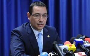 """Victor Ponta: """"L-am sunat pe domnul Iohannis şi l-am felicitat pentru victorie"""""""