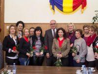 Primarul şi prefectul le-au felicitat pe ziariste pentru ziua de 8 Martie