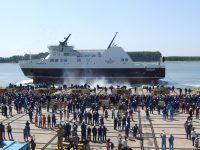"""FOTOGALERIE: La """"Damen"""" a fost lansat feribotul """"Legionnaire"""", care va face curse în Golful Conception din Canada"""