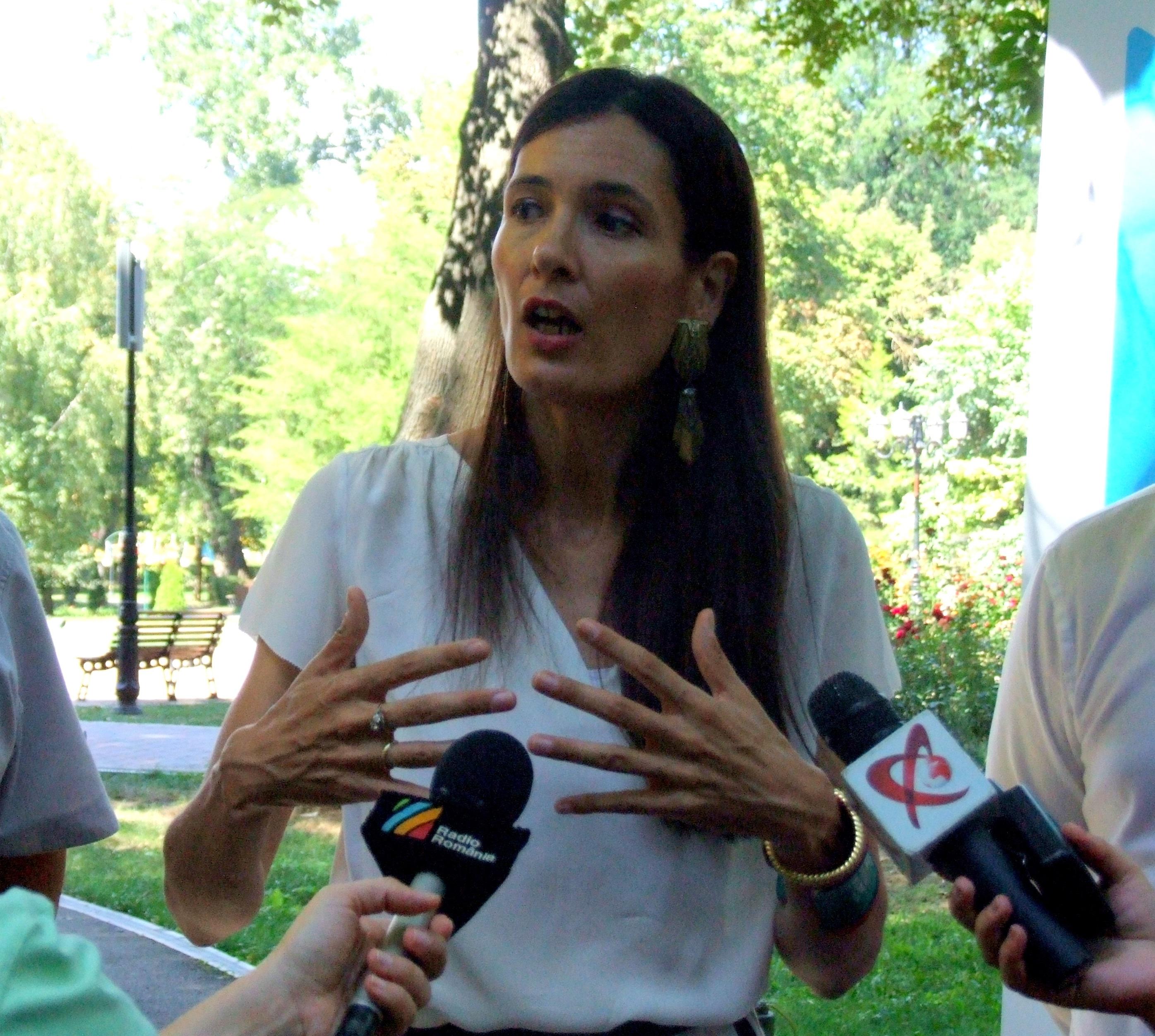 Clotilde Armand despre excluderea soțului din USR  |Clotilde Armand