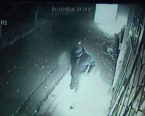 A fost reținut bărbatul care le-a dat foc celor doi oameni ai străzii. E tot un homeless