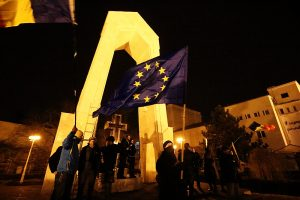 """""""Ziua 22"""". Peste 20 de gălățeni continuă protestul, cerând demisia guvernului"""