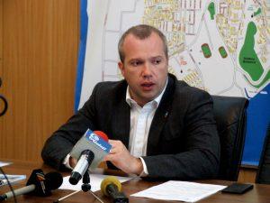 Situație explozivă! Primarul Pucheanu îi cere premierului Grindeanu demiterea prefectului Panaitescu