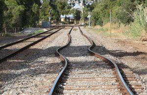 Din cauza caniculei, CFR reduce viteza de circulaţie a trenurilor cu 20-30 km/h