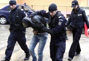 Percheziții ale procurorilor DIICOT Galați la contrabandiștii de țigări și carburanți