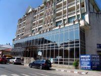 Mai știți ceva de clădirea din Nicolae Bălcescu colț cu Lahovary? Cea de sticlă…