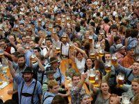 """Joi, 28 septembrie, începe primul """"Oktoberfest"""" organizat la Galați, cu bere, cârnați nemțești și muzică bavareză"""