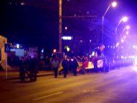 """Aproximativ 1.000 de gălăţeni au protestat pe străzile oraşului: """"Nu vrem să fim o naţie de hoţi!"""""""