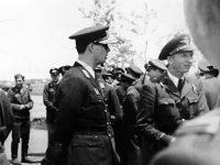 Pe 4 iunie 1943, Regele Mihai în vizită la Escadrila de Vânătoare de la Aeroportul din Galaţi