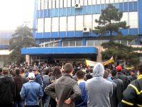 Protest spontan la ArcelorMittal. Peste 700 de siderurgiști au luat cu asalt clădirea administrativă