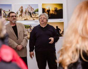 """FOTO & VIDEO. """"Salonul Foto International Galați"""". Proiecții despre ritualuri în Sicilia și Mexic și de ce iubim rockul"""