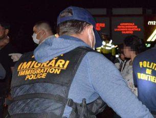 Au fost expulzați 12 imigranți din Turcia, Moldova și Uzbekistan, care locuiau ilegal la Galați