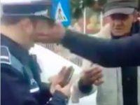 Trei bărbați au ajuns după gratii după ce au agresat doi polițiști