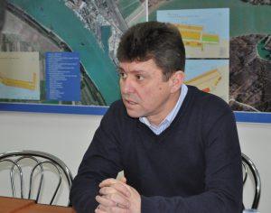 Directorul APDM Galaţi, arestat la domiciliu pentru mită