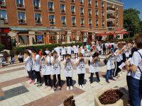 100 elevi şi voluntari – flashmob pentru susţinerea campaniei STOP TRAFICULUI DE PERSOANE! STOP VIOLENȚĂ ȘI ABUZ!